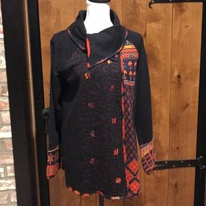 NWT Parsley & Sage Black Multi Tunic